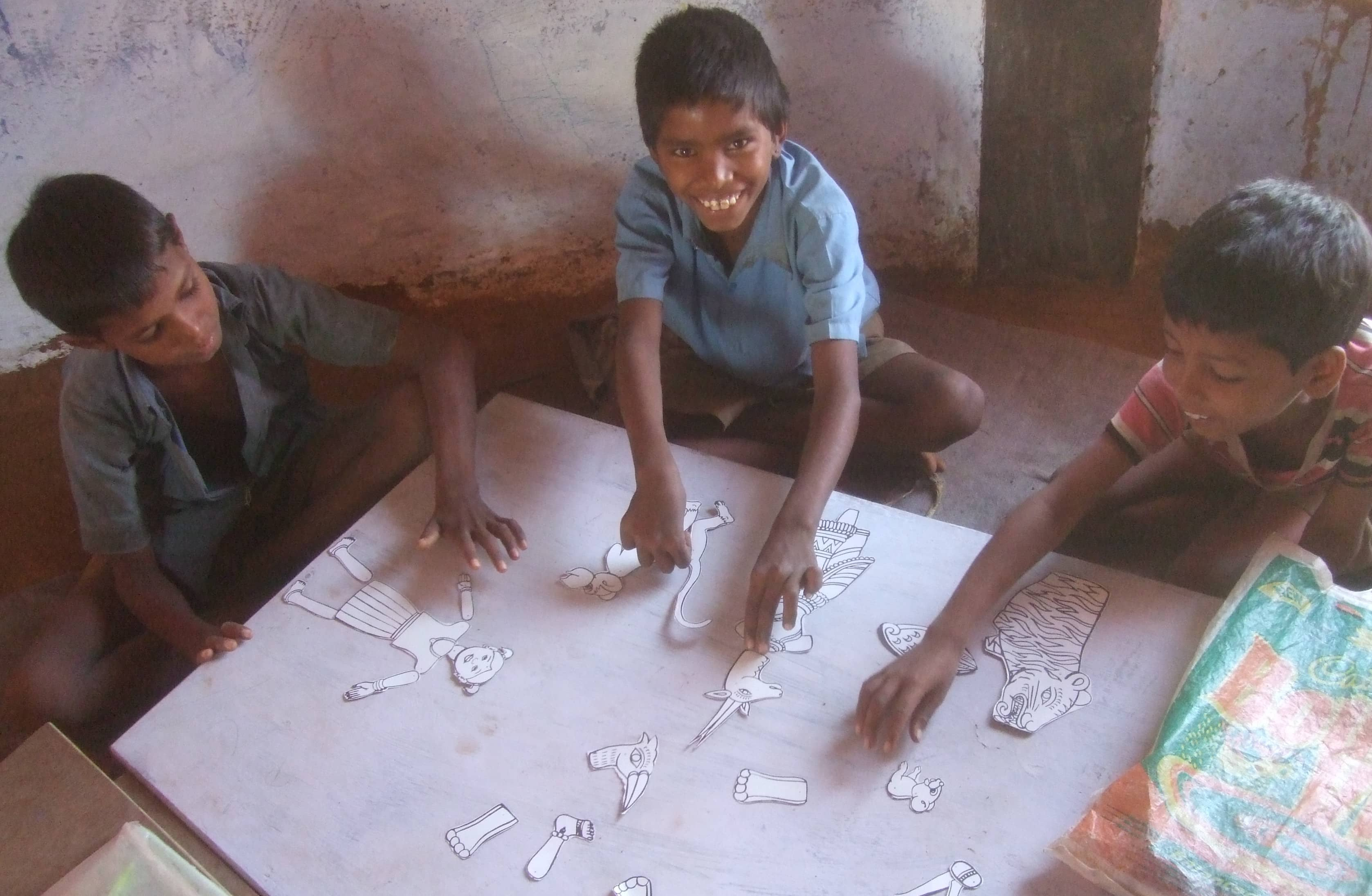 Children learn English at Hunar Ghar